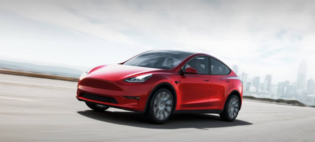 """American Consumer Magazine Discovers Serious Flaws in Tesla's """"Autopilot"""""""