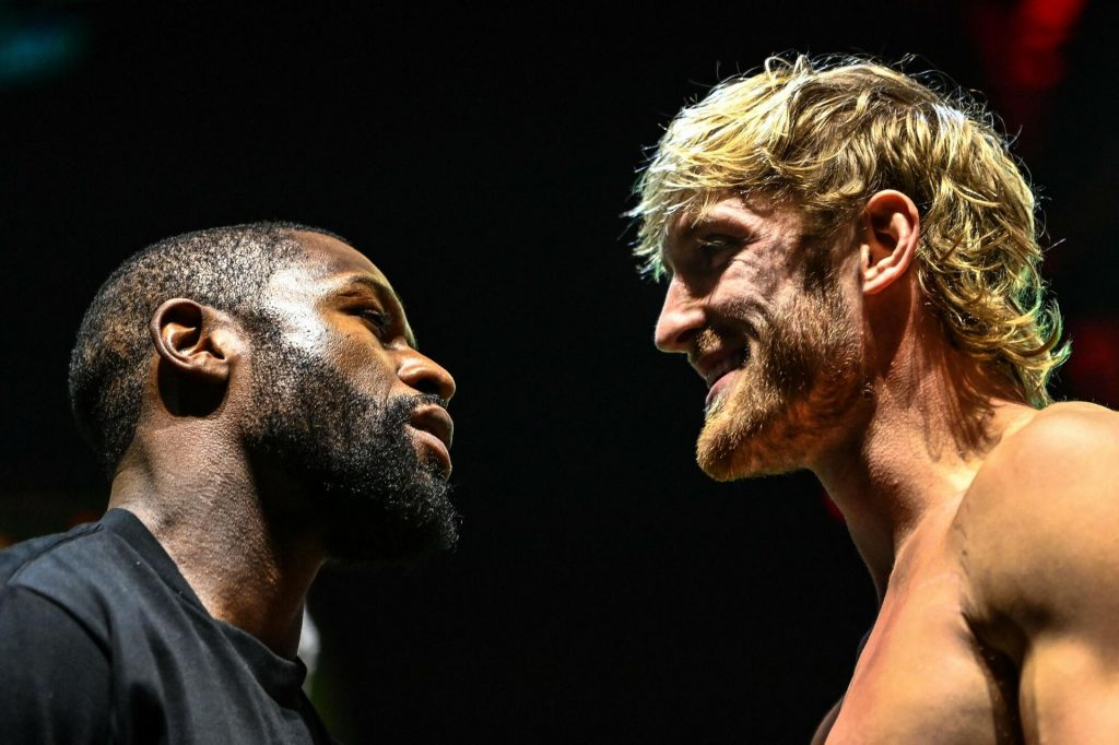 Floyd Mayweather Vs Logan Paul.  Fight of the Year in Memes!  Did YouTube make fun of you?