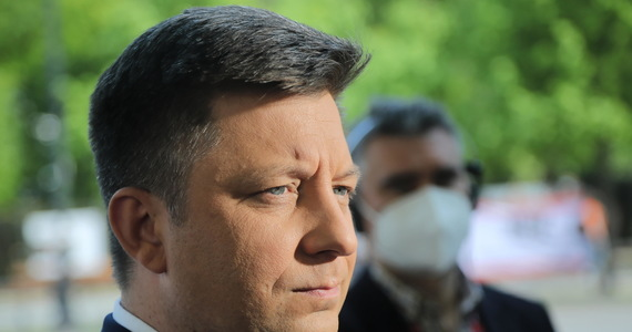 Zgłoszeniem ministra Michała Dworczyka w sprawie włamania na konta internetowe jego i jego żony zajmują się eksperci Agencji Bezpieczeństwa Wewnętrznego - poinformował nas rzecznik koordynatora służb specjalnych. Złożone wczoraj wieczorem zawiadomienie już wczoraj trafiło do ABW.