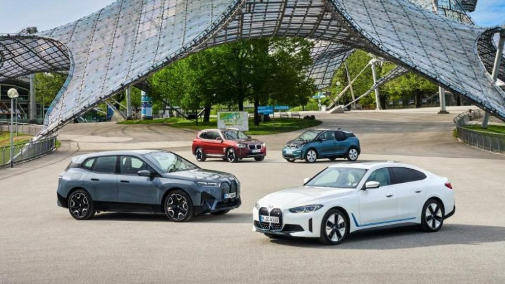 Electric double whammy: BMW introduces two new electronic models