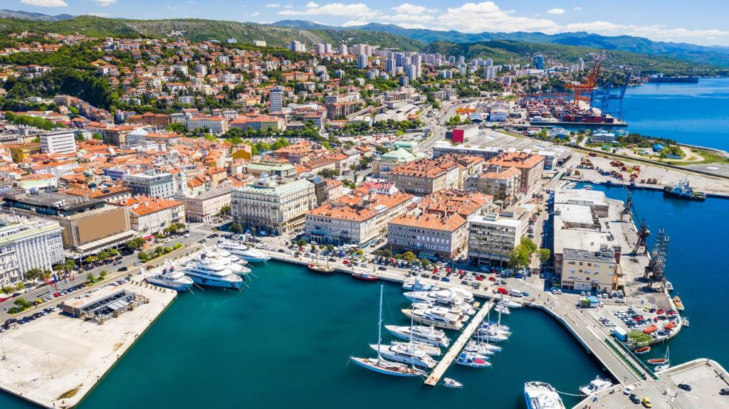 Holidays in Croatia.  New air connection Zielona Góra / Babimost - Rijeka