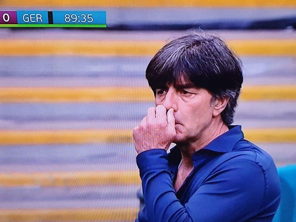 Joachim Lowe did it again.  He stumbled on his nose, then opened his mouth ... personality! [WIDEO]