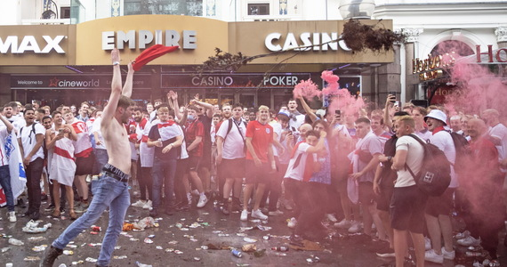 Fan Attack on Wembley!  Chaos on the ground and in the streets of London