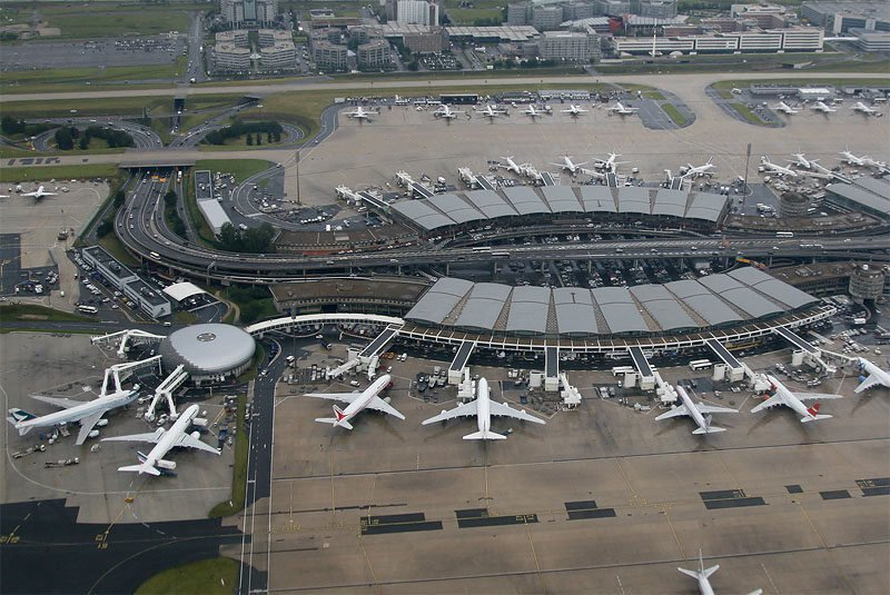 France.  Siege of the terminal at Paris Charles de Gaulle Airport.  The police intervened
