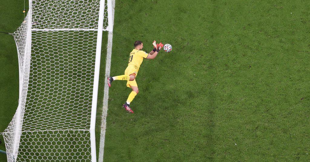 Italy - England.  Gianluigi Donorumma like Superman.  Euro 2020 final