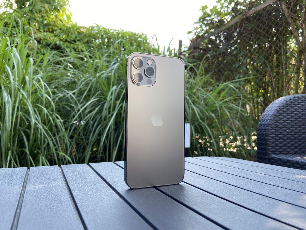 iOS 14 vs. iOS 15 - How iPhone System Will Change [PORÓWNANIE] - computer world