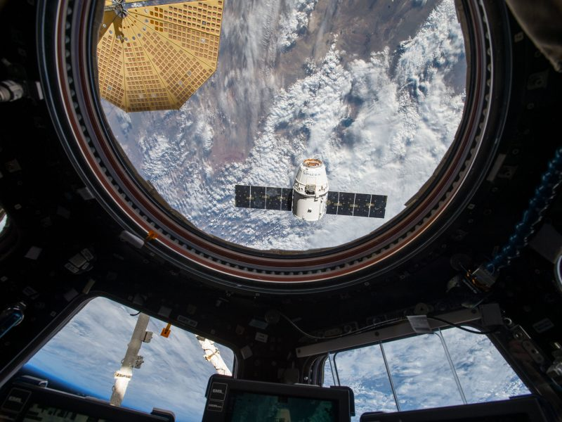 The Dragon Ship detaches from the International Space Station, Source: Flickr / NASA Johnson (CC BY-NC 2.0)