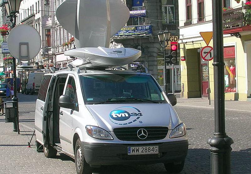 TVN24 broadcast van, source: Flickr / daniel.s (CC BY 2.0)