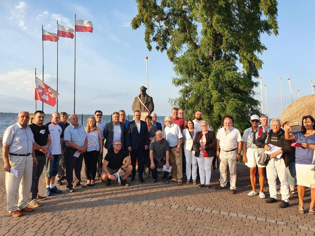 Deputy Minister of Infrastructure Marcin Horała in Puck: Talk to Puck poviat residents about the Polish Lada    Pictures and video