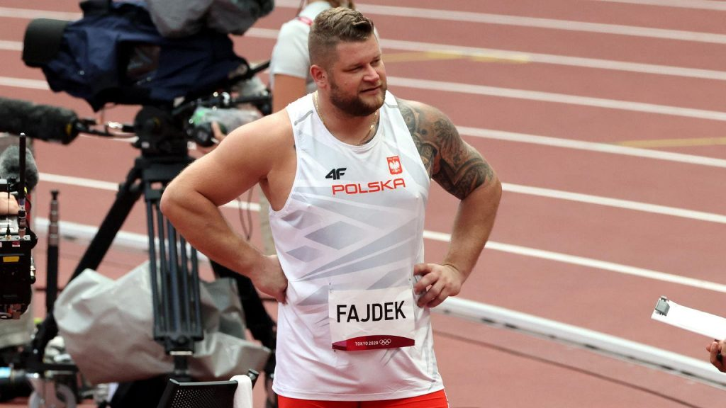 """""""It was dramatic.""""  Powai Fajtech intimidated everyone in the hammer throw elimination"""