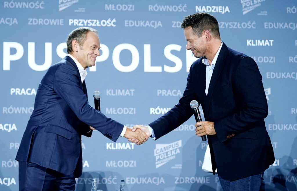 Polish campus.  Civil partnership, codka and abortion.  In the fire of questions of the youth of Tusk and Traskoskovsky