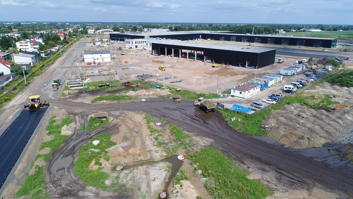The new terminal of Warsaw-Radom Airport is planned to have 30 check-in desks, 16 passport check-in desks, 10 exit gates and three baggage collection roundabouts.