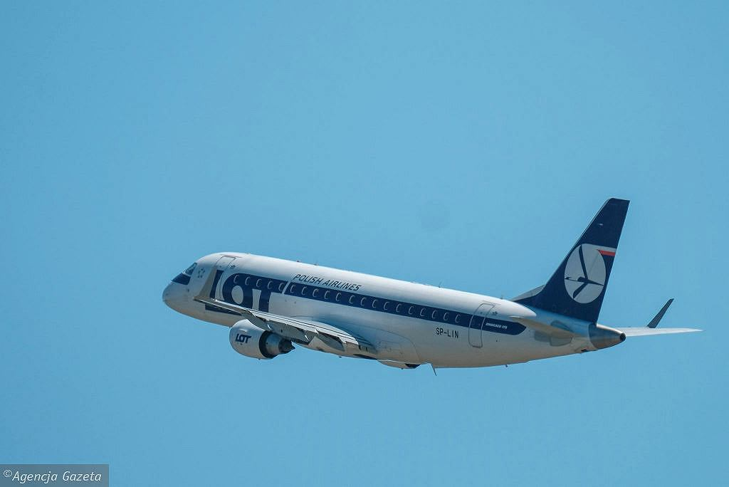 LOT Polish Airlines returns flights to the United States.  We will be flying to Miami from December