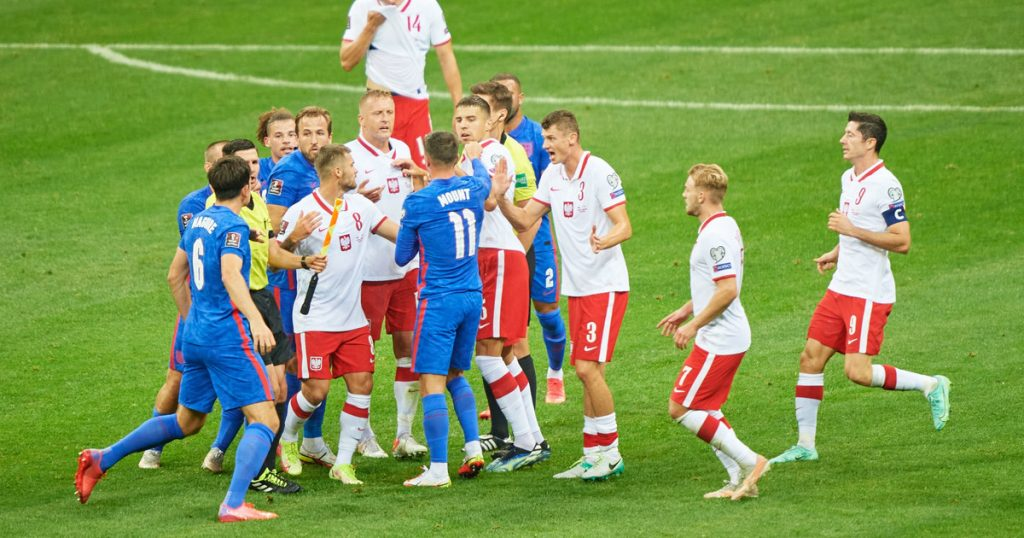 Poland - England.  The British accused the Poles of racism.  What's going on?  L.  World Cup
