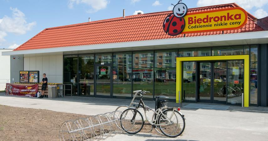 You can pick up parcels from Allegro at checkout in Biedronka