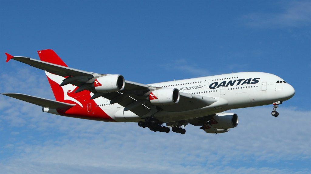 Qantas resumes international air traffic