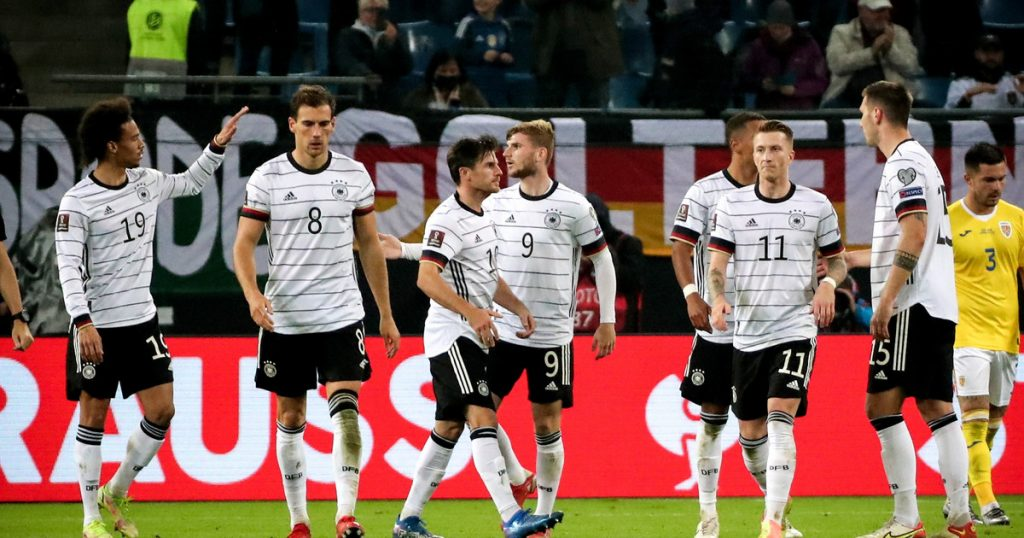 L.  World Cup: Germany - Romania.  The surprise was near!  Report, results
